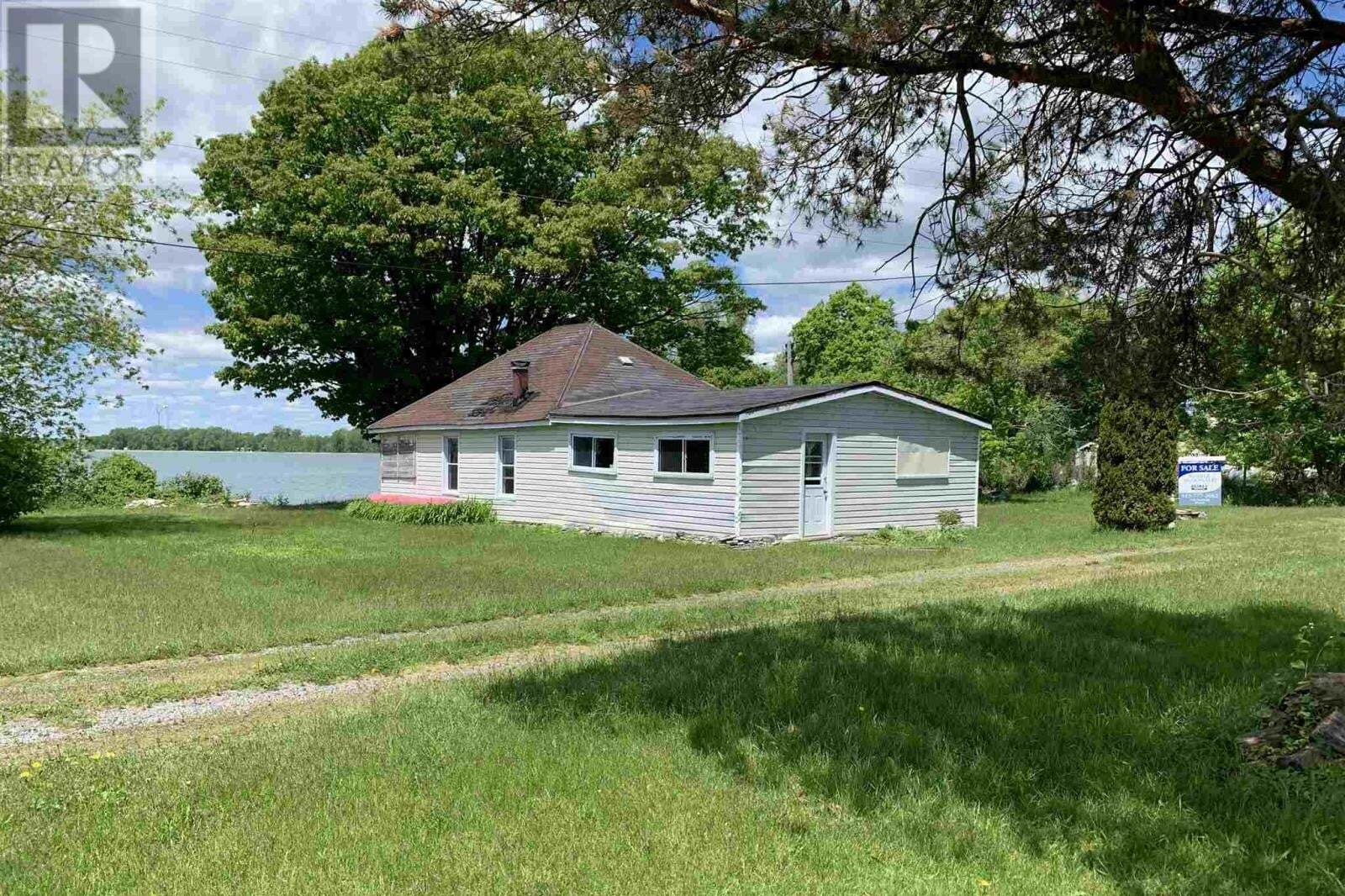 House for sale at 9730 South Shore Rd Amherst Island Ontario - MLS: K20002938