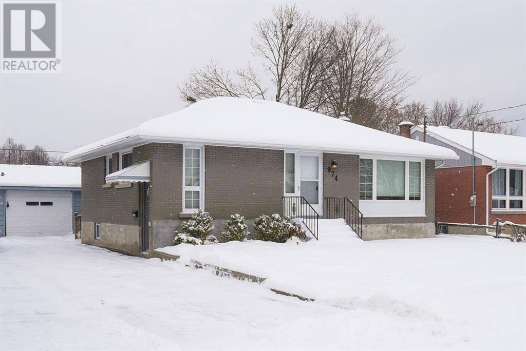 House for sale at 974 Sproule St Ottawa Ontario - MLS: 1175528