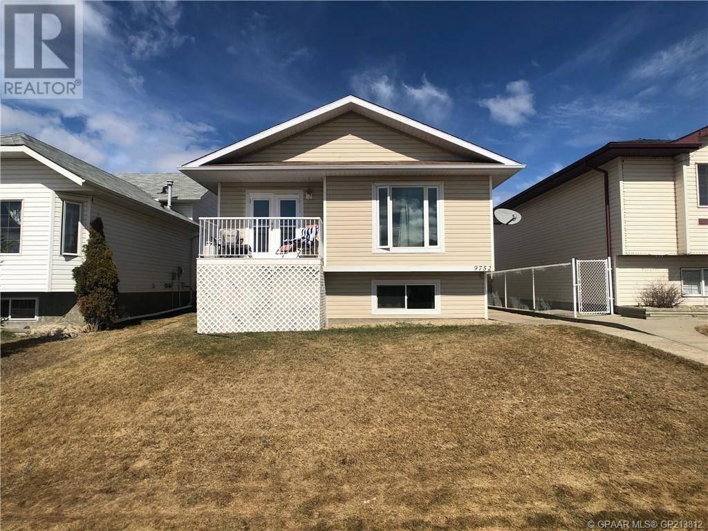 House for sale at 9752 124 Ave Grande Prairie Alberta - MLS: GP213812