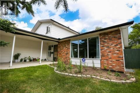House for sale at 98 Champlin Cres Saskatoon Saskatchewan - MLS: SK767531