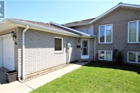 Townhouse for sale at 98 Clarence Ave Leamington Ontario - MLS: 19018263