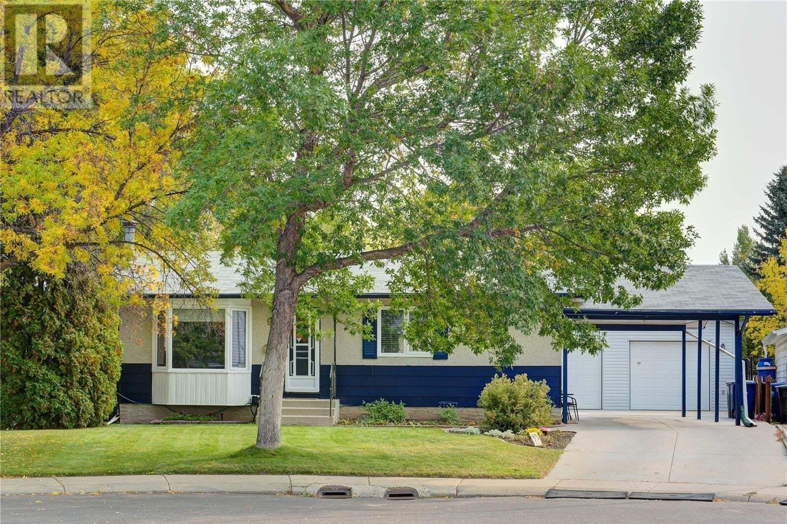 House for sale at 98 Galbraith Cres Saskatoon Saskatchewan - MLS: SK827368