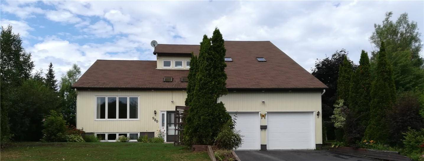House for sale at 980 Westmount  Bathurst New Brunswick - MLS: NB015544