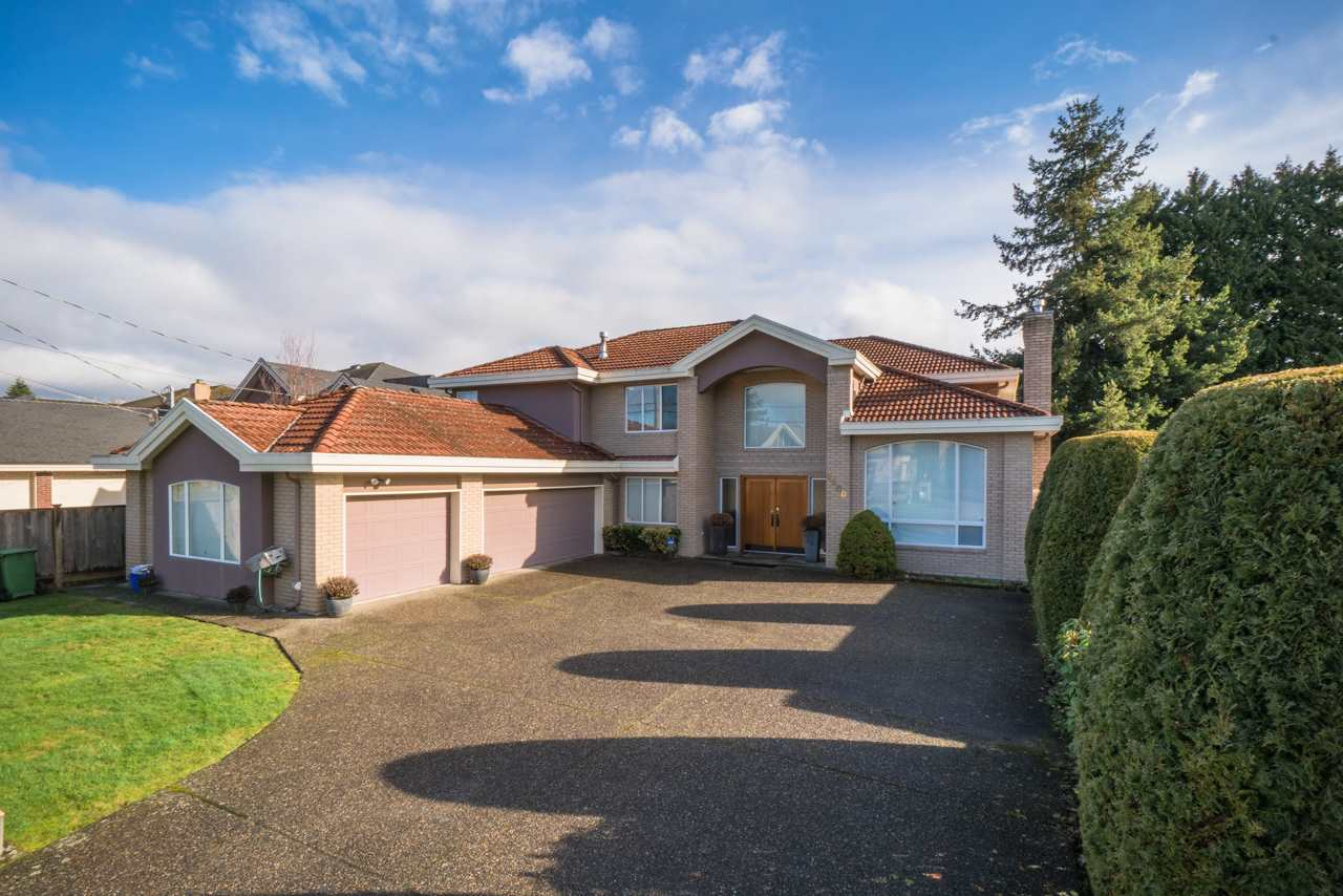 For Sale: 9800 Deagle Road, Richmond, BC | 7 Bed, 5 Bath House for $2,790,000. See 20 photos!