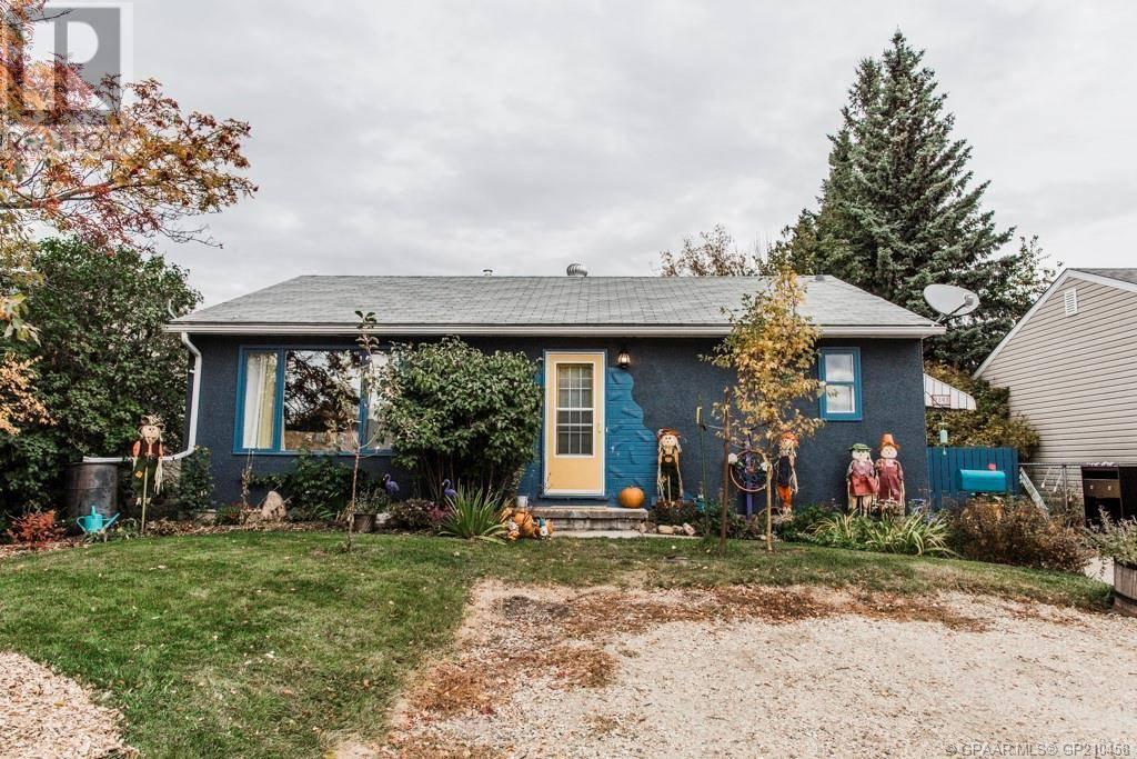House for sale at 9808 109 Ave Grande Prairie Alberta - MLS: GP210458