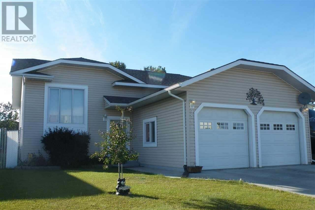 House for sale at 9812 90 St Fort St. John British Columbia - MLS: R2451173