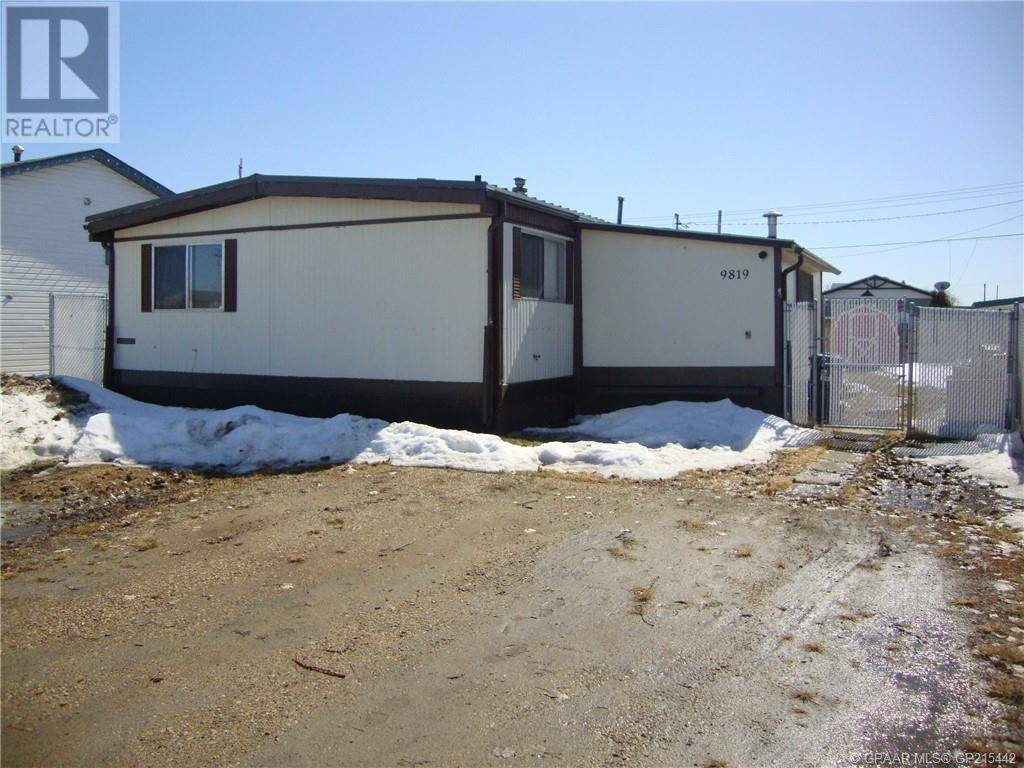 House for sale at 9819 102 Avenue Court Clairmont Alberta - MLS: GP215442