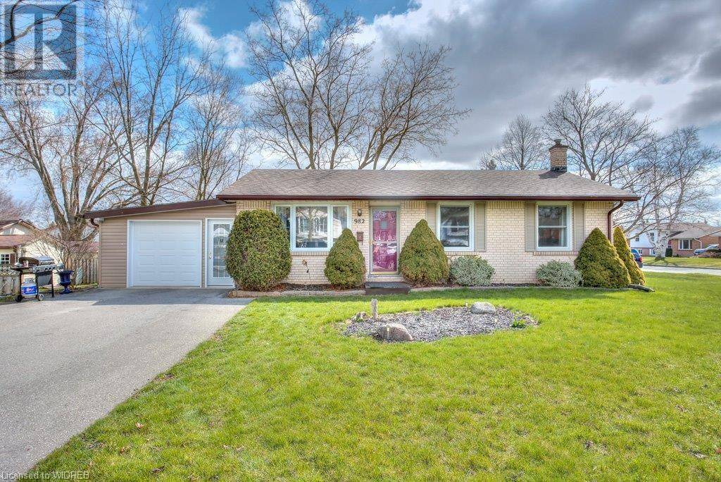 House for sale at 982 Nesbitt Cres Woodstock Ontario - MLS: 256166