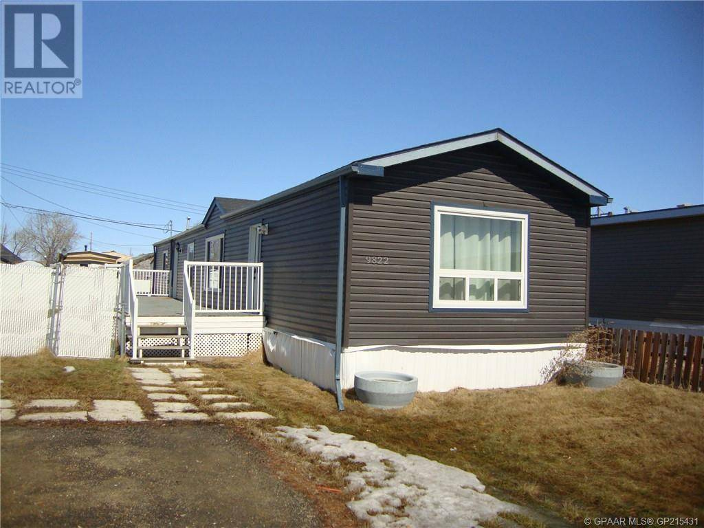 House for sale at 9822 100 Avenue Court Clairmont Alberta - MLS: GP215431