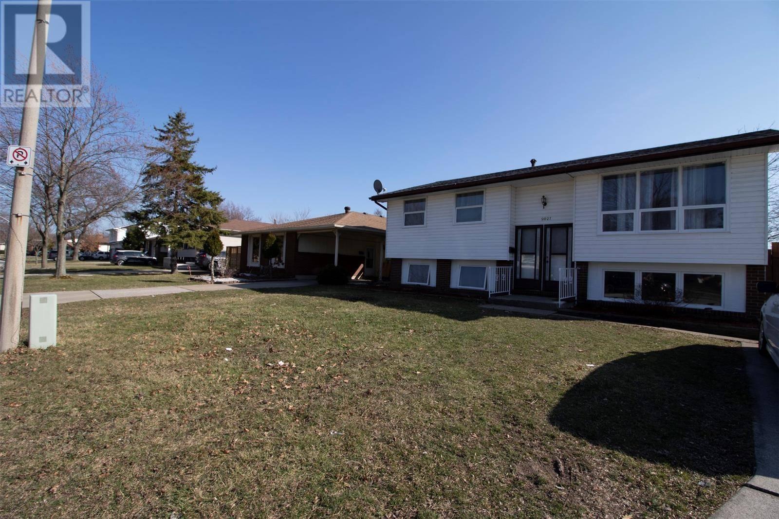 9827 Ridge Ridge, Windsor | Image 1