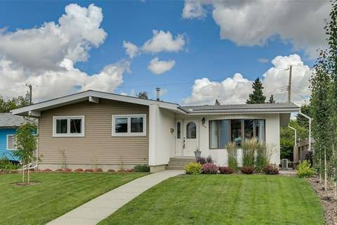 House for sale at 9836 Avalon Rd Southeast Calgary Alberta - MLS: C4258478