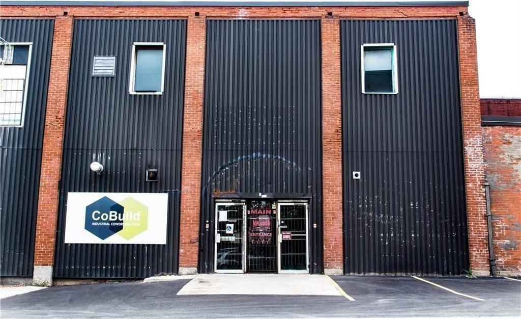 Residential property for sale at 984 Barton St E Hamilton Ontario - MLS: H4057210