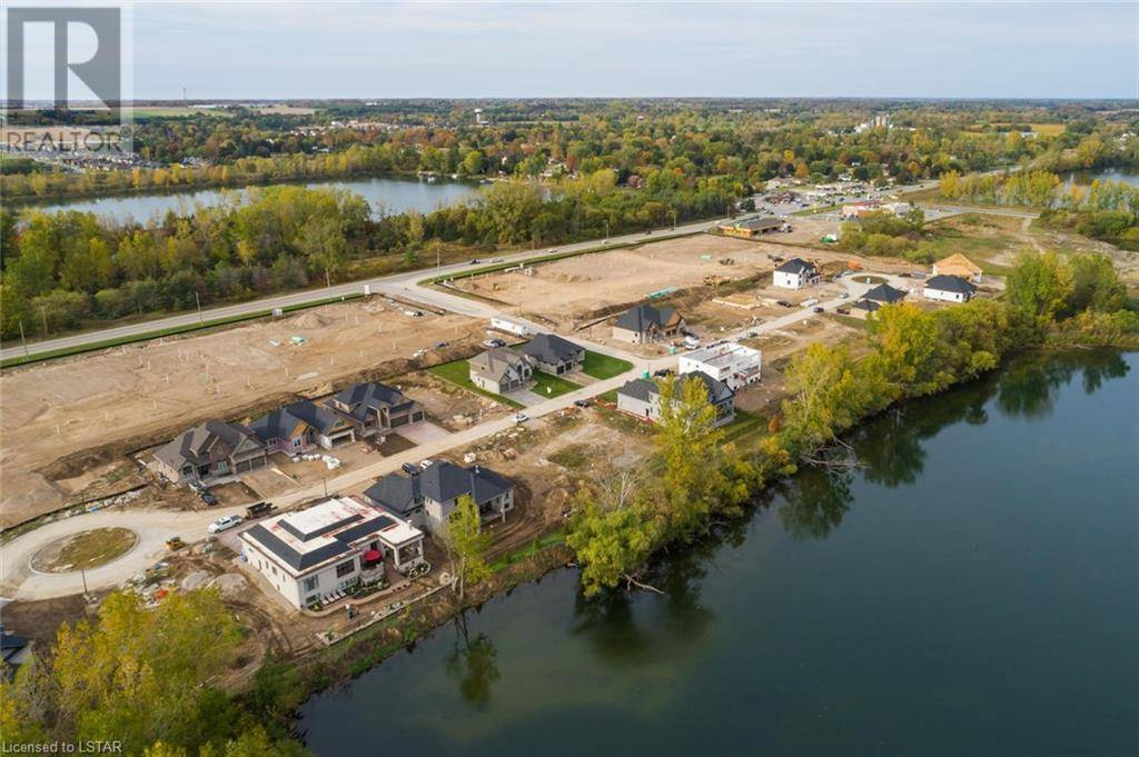 Home for sale at 202 Glendon Dr Unit 9861 Komoka Ontario - MLS: 224538