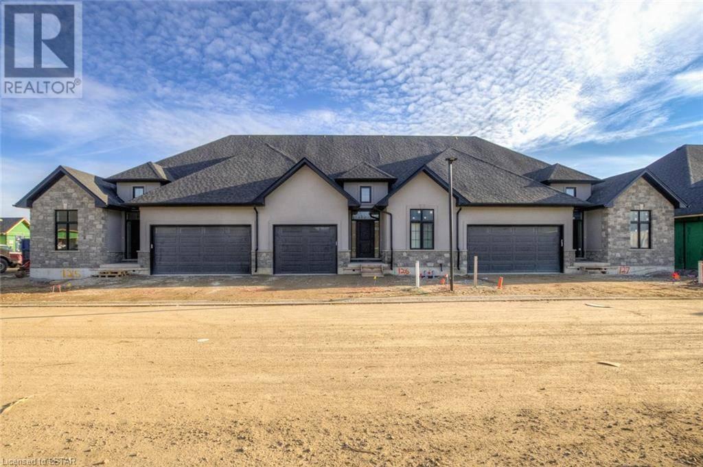 Home for sale at 420 Glendon Dr Unit 9861 Komoka Ontario - MLS: 216394