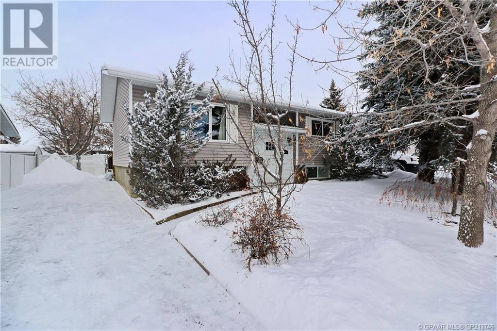 House for sale at 9868 79 Ave Grande Prairie Alberta - MLS: GP213746