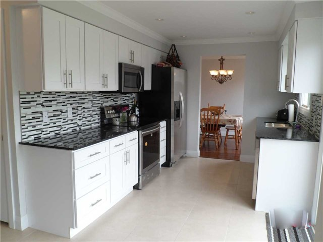 For Sale: 988 Garden Avenue, Innisfil, ON | 4 Bed, 3 Bath House for $547,777. See 20 photos!