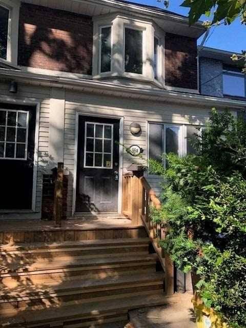 Townhouse for rent at 98 Eaton Ave Toronto Ontario - MLS: E4691631