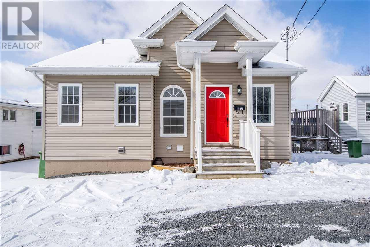 House for sale at 98 Woodlawn Rd Dartmouth Nova Scotia - MLS: 202002858