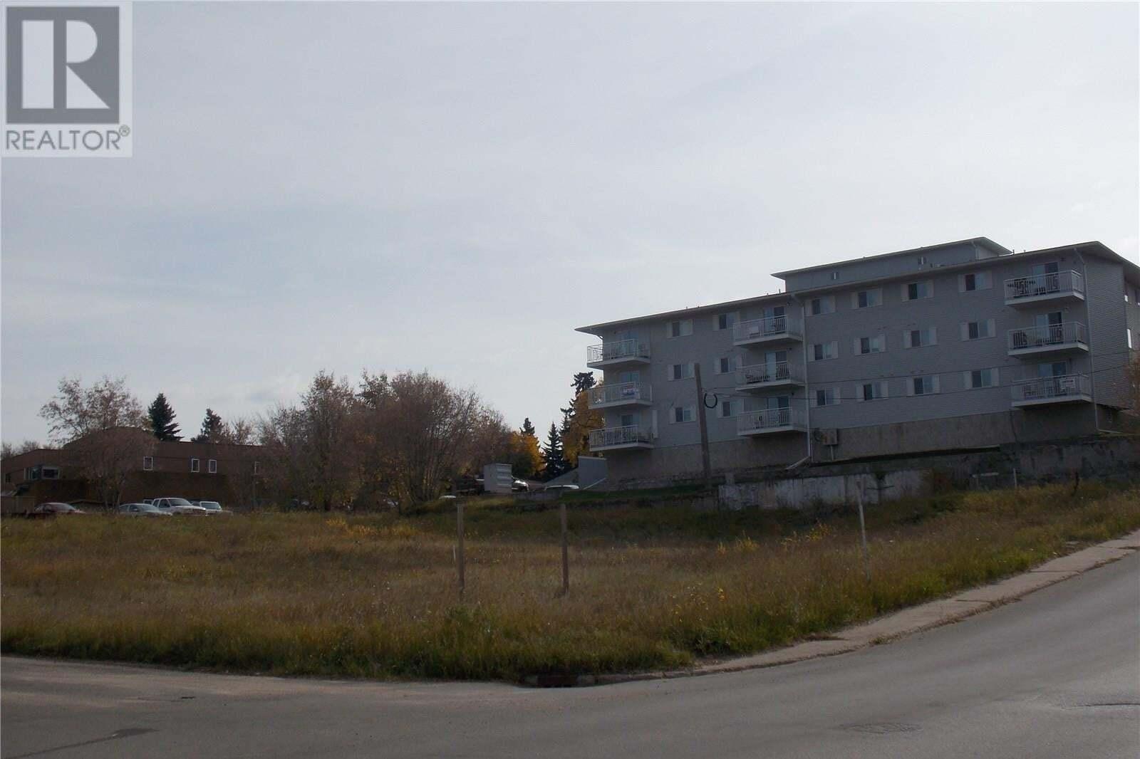 Home for sale at 99 18th St W Prince Albert Saskatchewan - MLS: SK825789