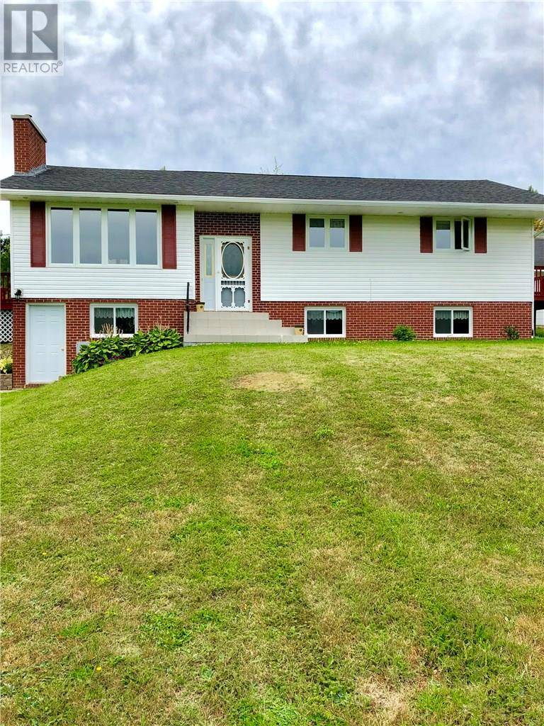 House for sale at 99 Fairview Ave Hillsborough New Brunswick - MLS: M121932