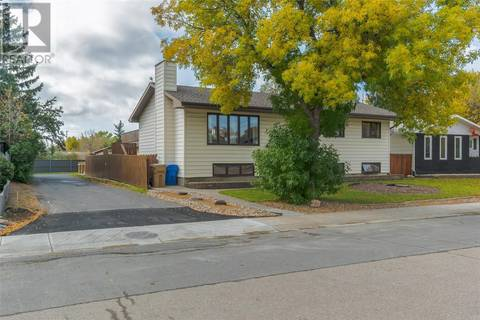 House for sale at 99 Fuhrmann Cres Regina Saskatchewan - MLS: SK787475
