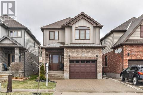 99 Hinrichs Crescent, Cambridge | Image 1