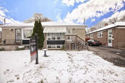 Townhouse for sale at 99 Overture Rd Toronto Ontario - MLS: E4999435