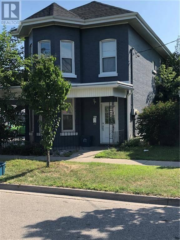 Townhouse for sale at 99 Peel St Brantford Ontario - MLS: 30758497
