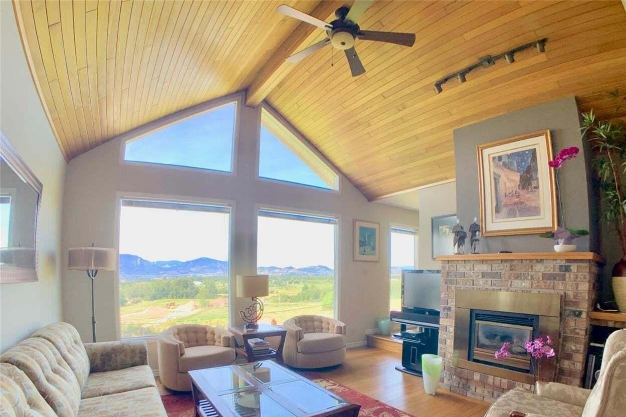 House for sale at 990 Bartholomew Ct Kelowna British Columbia - MLS: 10210763