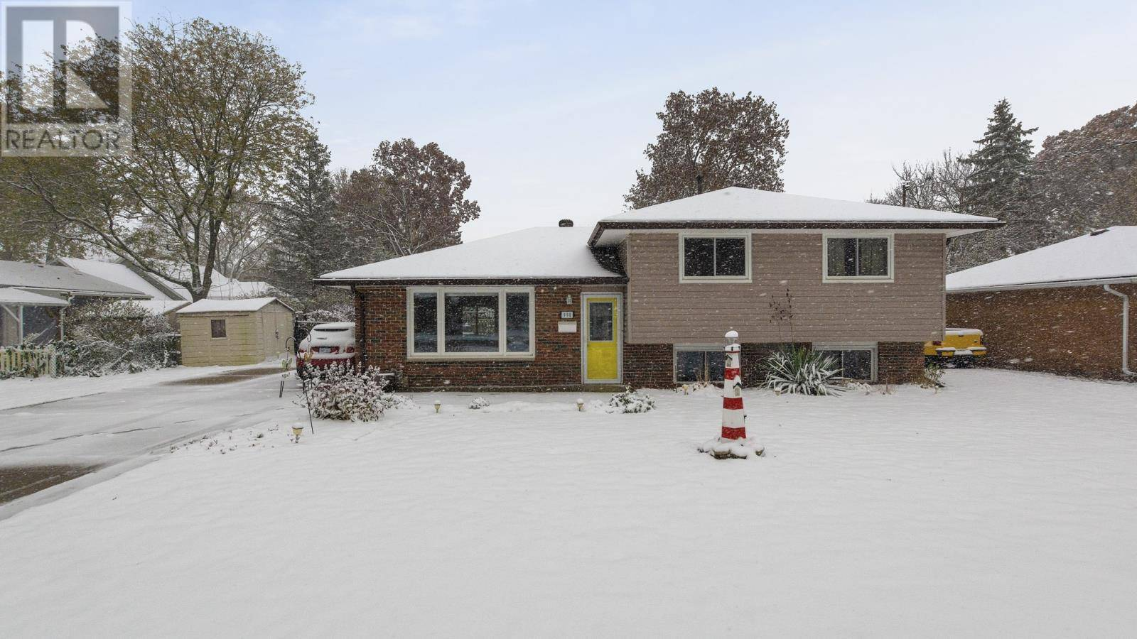 House for sale at 990 Maple  Lasalle Ontario - MLS: 19028262