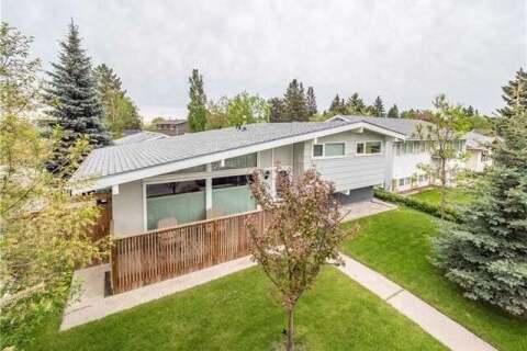 House for sale at 9904 Maplecreek Dr Southeast Calgary Alberta - MLS: C4300723