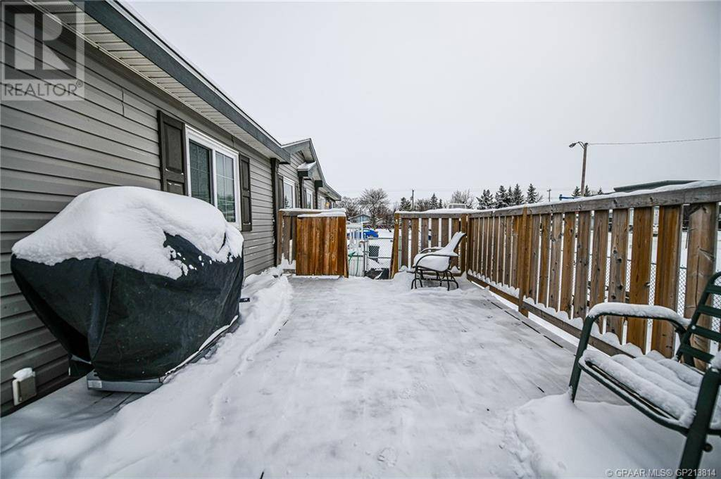 House for sale at 9908 102 Ave Grande Prairie, County Of Alberta - MLS: GP213814