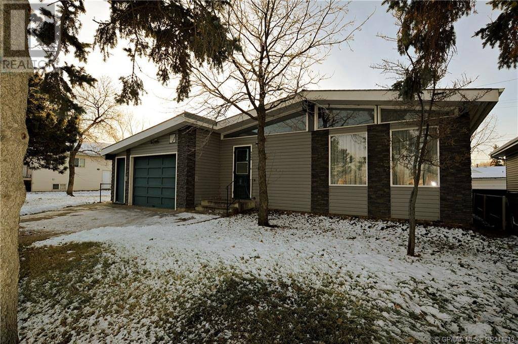 House for sale at 9909 102 Ave Clairmont Alberta - MLS: GP211819