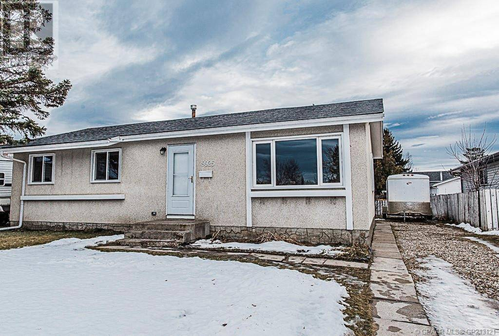 House for sale at 9925 82 Ave Grande Prairie Alberta - MLS: GP213121