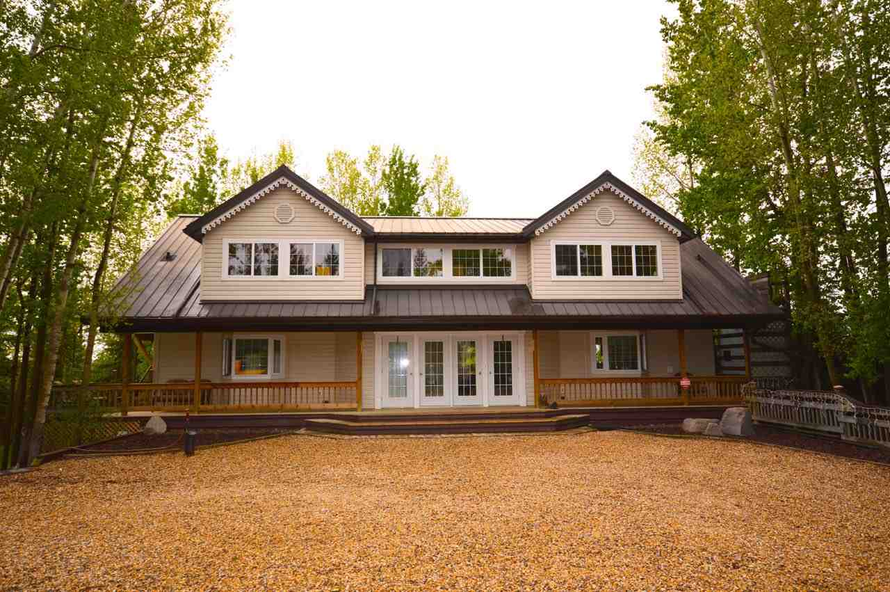 For Sale: 9933 102 Avenue, Rural Lac Ste Anne County, AB   4 Bed, 3 Bath House for $595,000. See 21 photos!