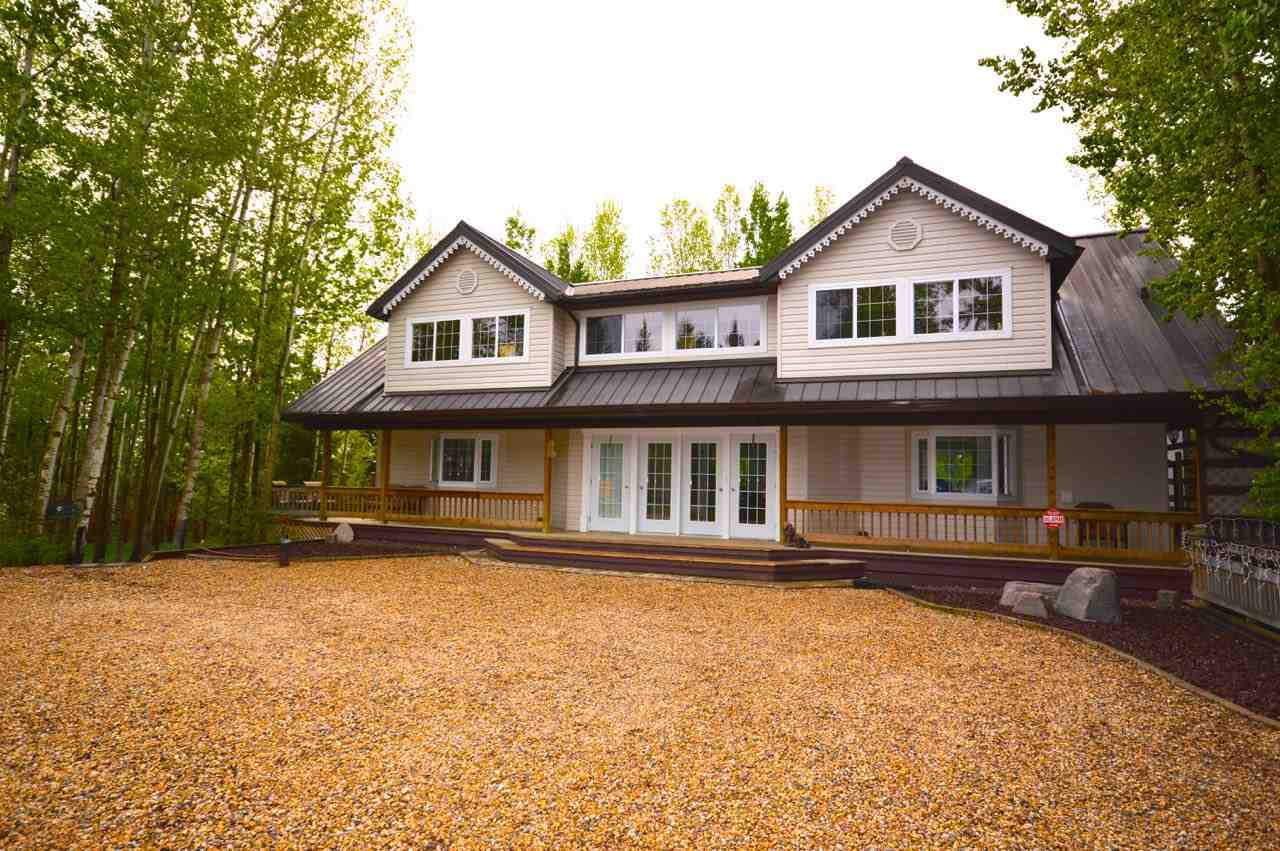For Sale: 9933 102 Avenue, Rural Lac Ste Anne County, AB | 4 Bed, 3 Bath House for $589,900. See 21 photos!
