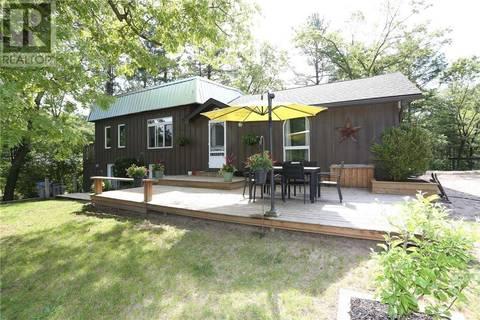 House for sale at 9986 Nipigon St Port Franks Ontario - MLS: 202229