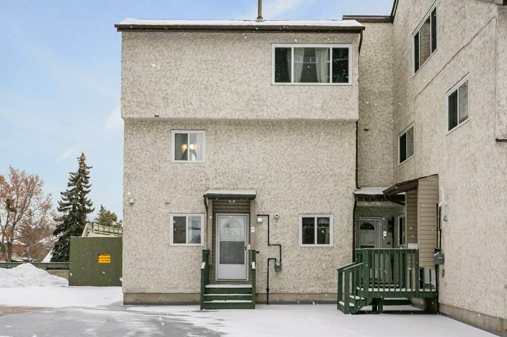 Townhouse for sale at 9 Meadowlark Vg  Nw Edmonton Alberta - MLS: E4185788