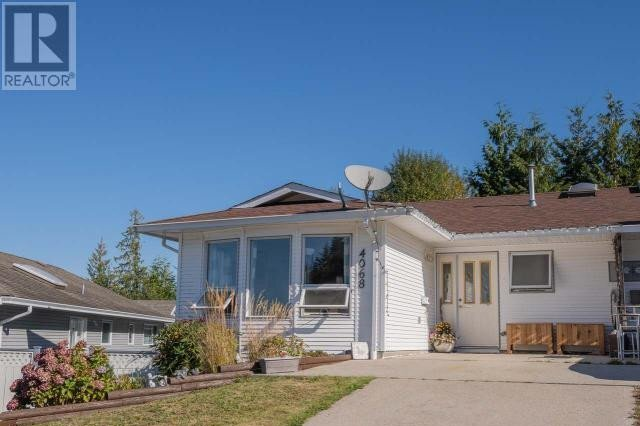 Townhouse for sale at 4068 Savary Pl Unit A Powell River British Columbia - MLS: 15313