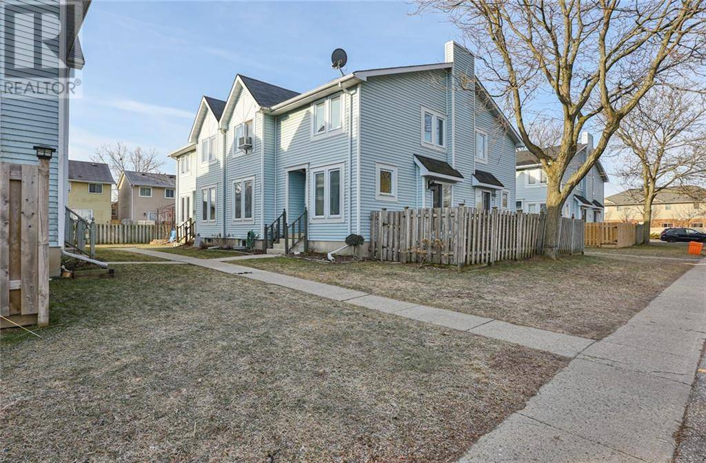 Townhouse for sale at 9 Brantwood Park Rd Unit A Brantford Ontario - MLS: 30798010
