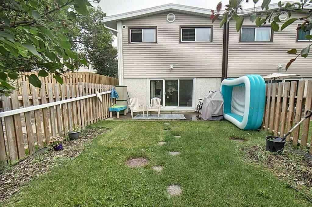 Townhouse for sale at 16413 89 Av NW Unit B Edmonton Alberta - MLS: E4205329