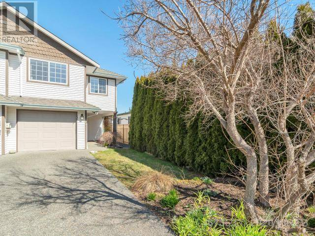 Townhouse for sale at  Holm Rd Unit B-610 Campbell River British Columbia - MLS: 467353