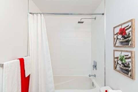 Residential property for sale at 5240 Dundas St Unit B611 Burlington Ontario - MLS: W4861350