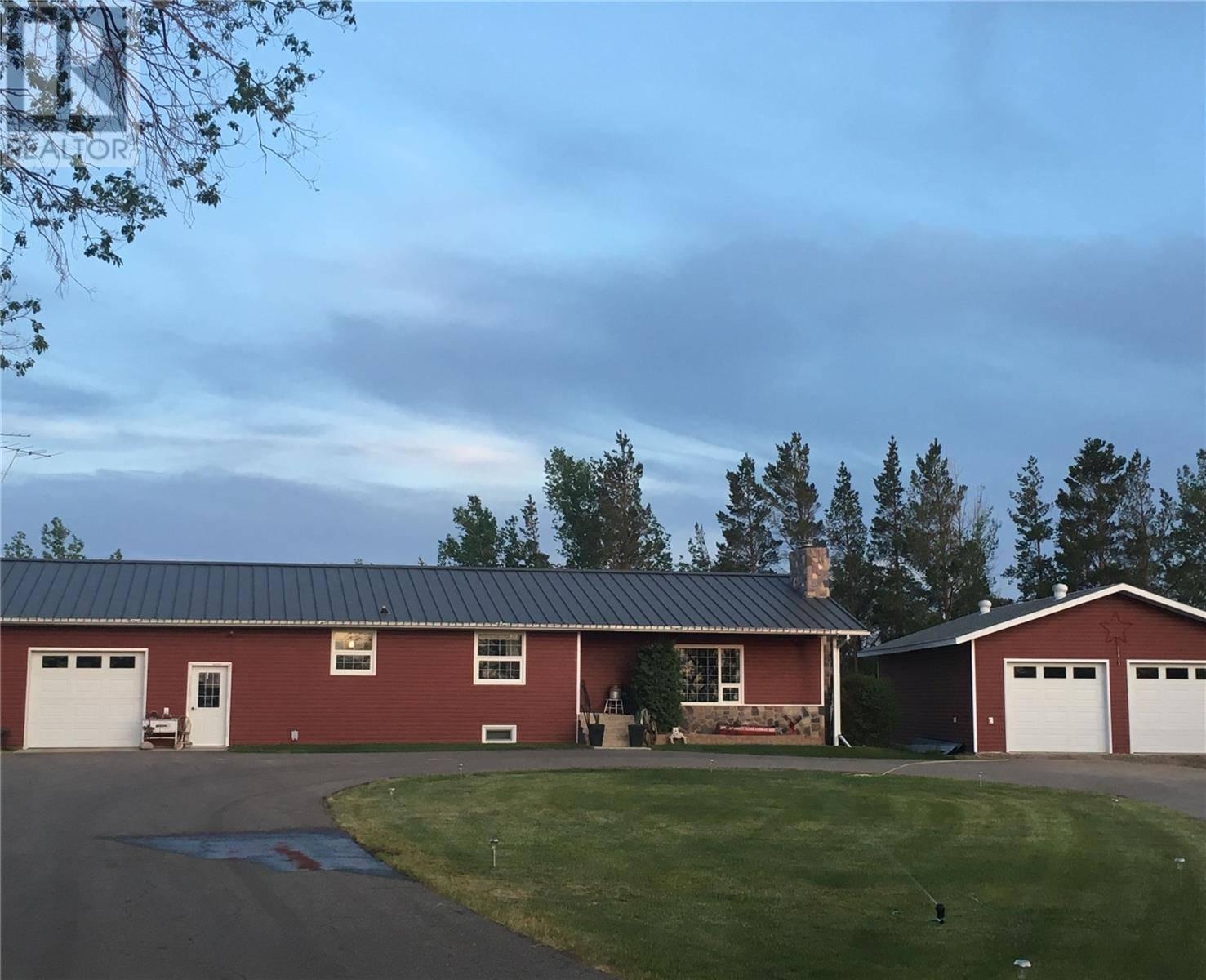House for sale at  Bateman Acres Shaunavon Saskatchewan - MLS: SK797670
