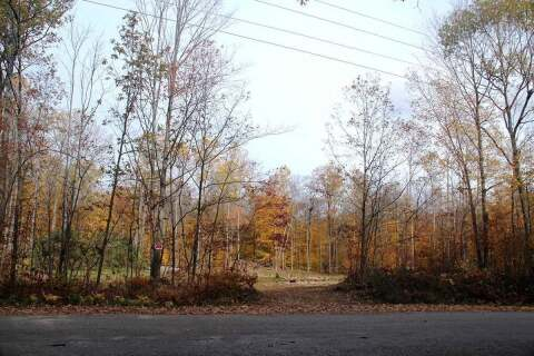 Home for sale at Bl D Peek-a-boo Tr Tiny Ontario - MLS: S4964877