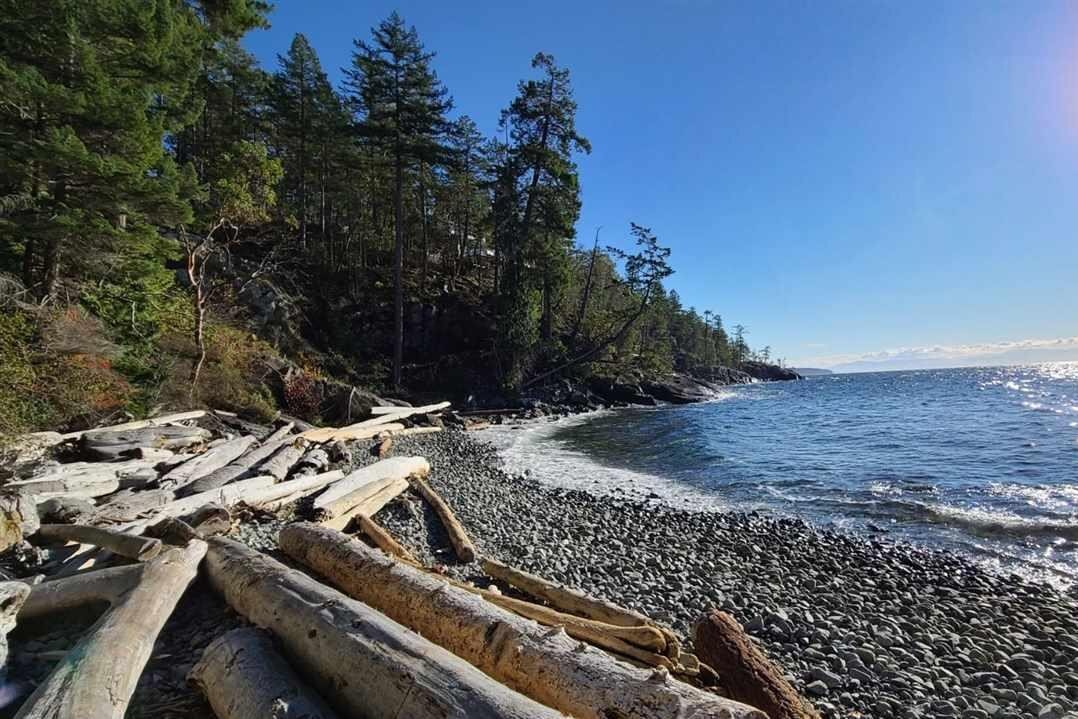 Home for sale at Block A Sunshine Coast Hy Madeira Park British Columbia - MLS: R2517057