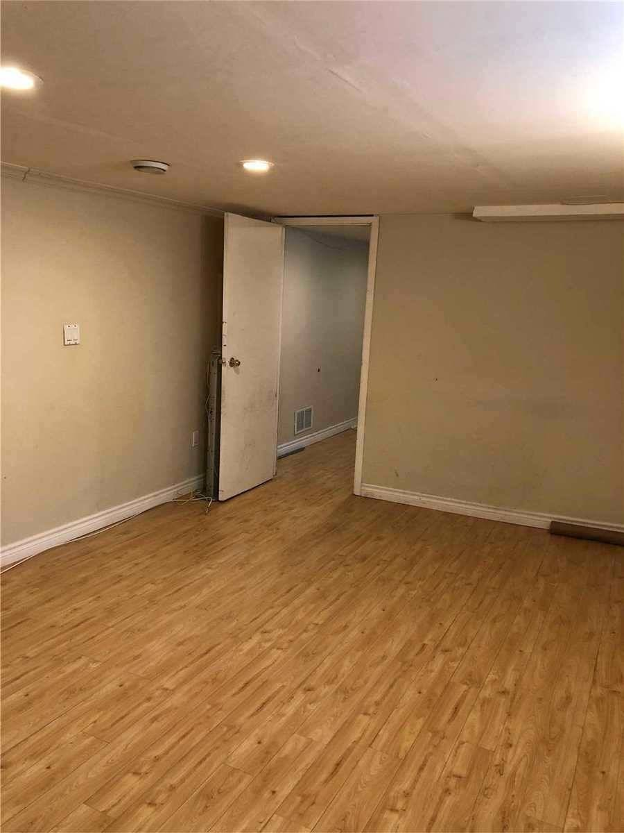 Bsmnt 240 Anzac Road Richmond Hill For Rent 1 400