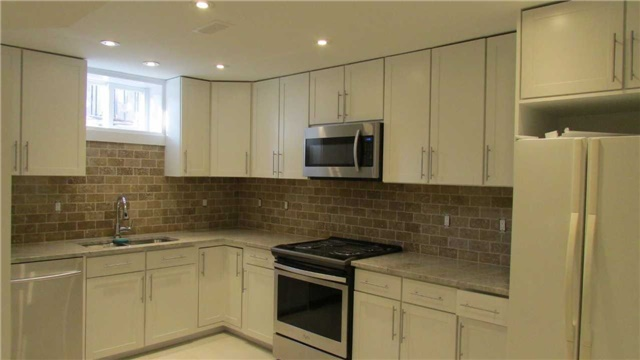 For Rent: 88 Heathrow Drive, Toronto, ON | 2 Bed, 1 Bath House for $1,650. See 6 photos!
