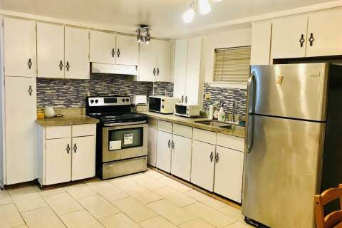 Townhouse for rent at 96 Surbray Grve Unit Bsmt Mississauga Ontario - MLS: W4894436