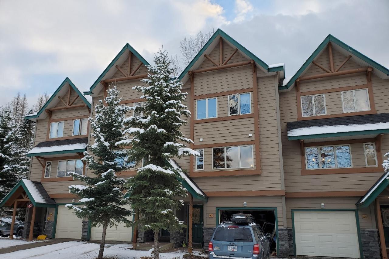 Townhouse for sale at 3 Creek Place Pl Unit C Fernie British Columbia - MLS: 2455510